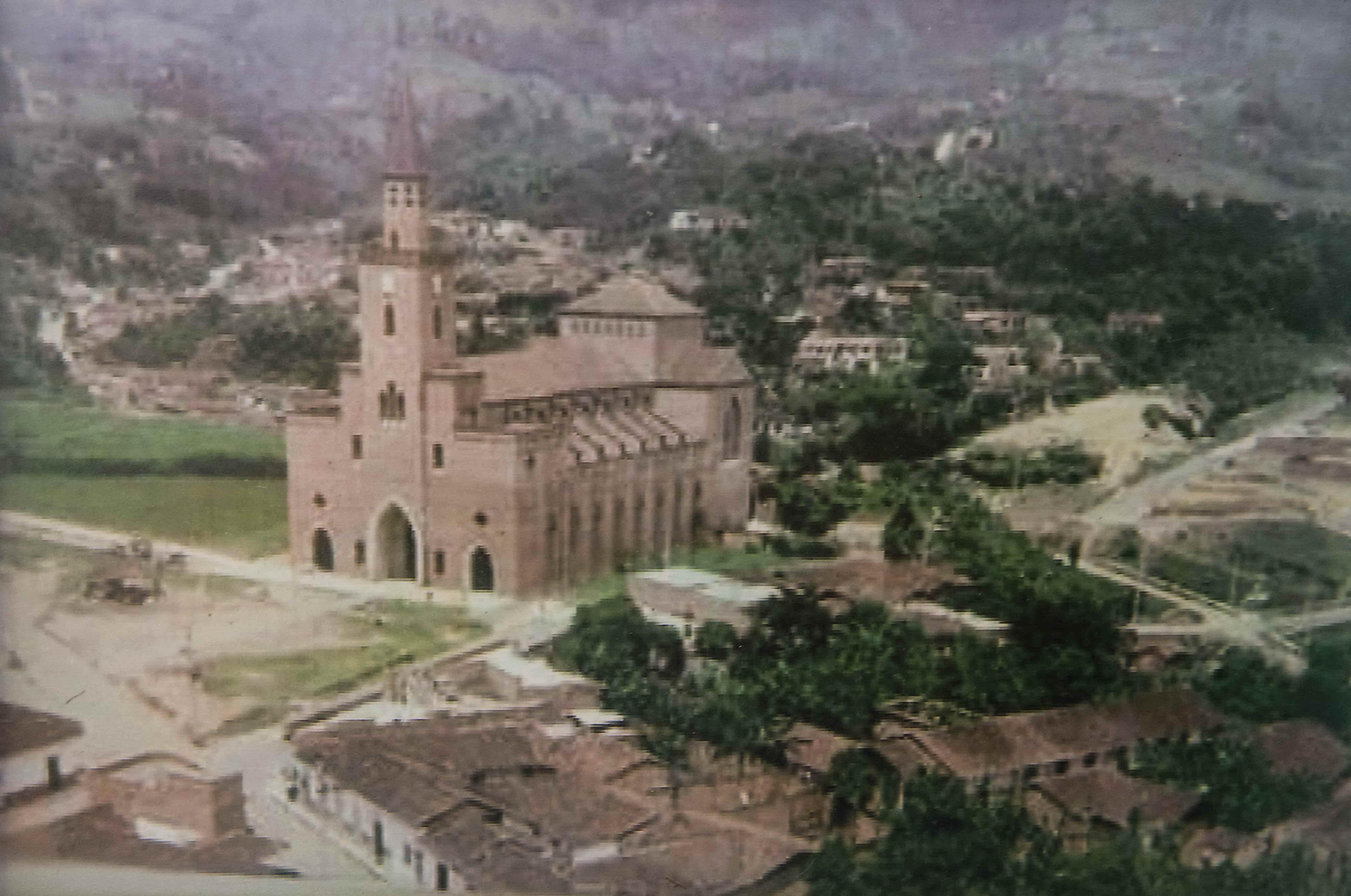 Los inicios de San José (y su iglesia, imponente).