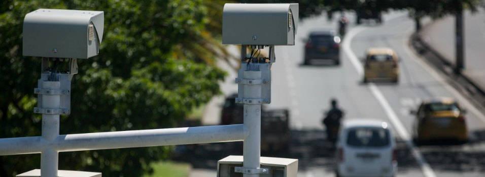 Aprobada ley que reglamenta las fotomultas