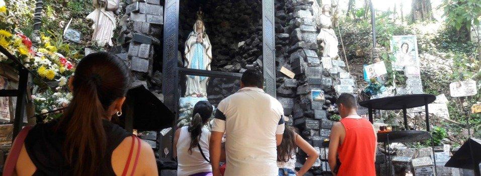 En La Aguacatala no quieren a la Virgen de vecina