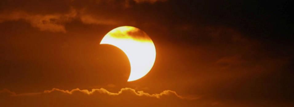 ¿Dónde ver el eclipse parcial en Medellín?