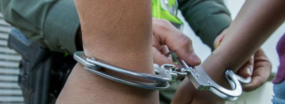 Policías de Laureles sobornaban a extranjero