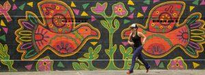 ¿Por qué hay molas pintadas en Envigado?