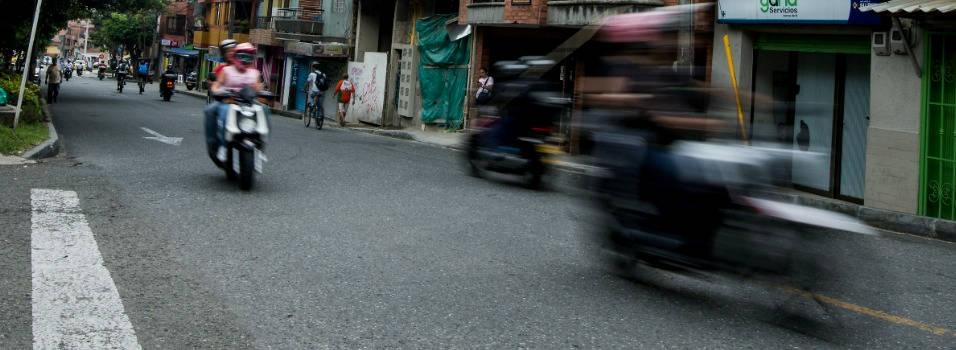 Las motos trasnochan al barrio San José, de Envigado