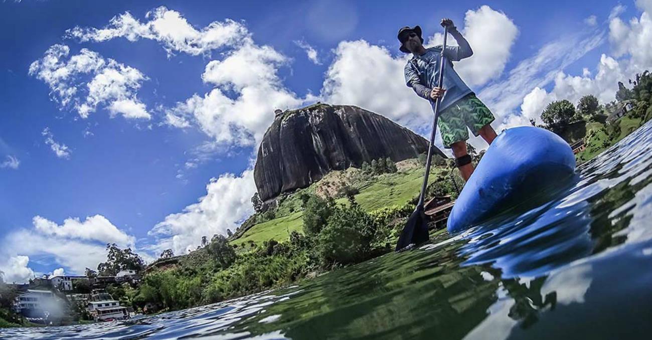 Stand Up Paddle:El novedoso deporte que se practica en Guatapé
