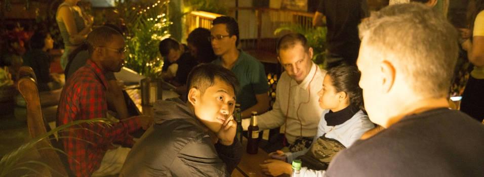 Aprenda otro idioma en una terraza