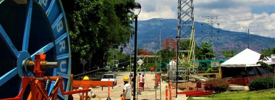 Instalación de torres en Parques del Río preocupa a vecinos