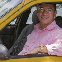 Jhon Jairo, uno de los mejores taxistas de Envigado