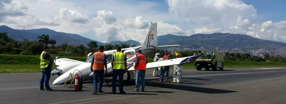 Cerrado aeropuerto Olaya Herrera de Medellín por emergencia