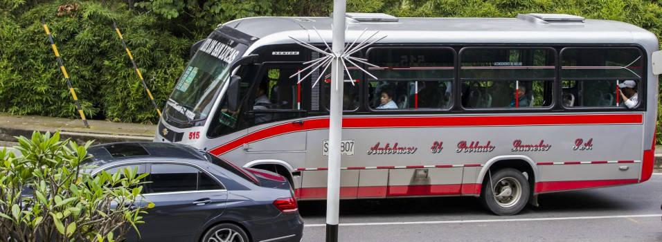 Quejas por mal servicio en buses de El Poblado