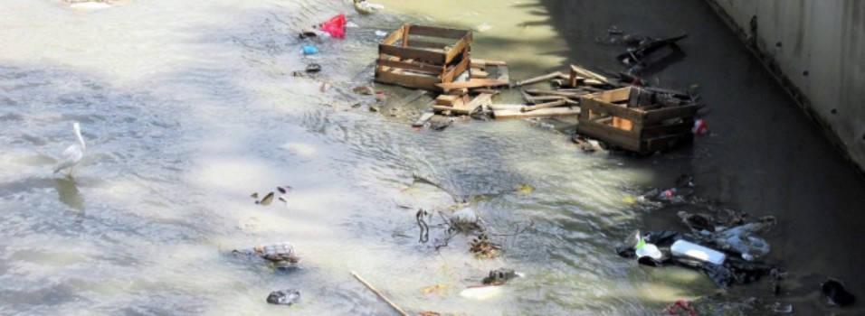 Preocupa contaminación en las quebradas de Laureles