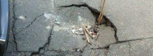 Camiones dañaron vía en San Joaquín