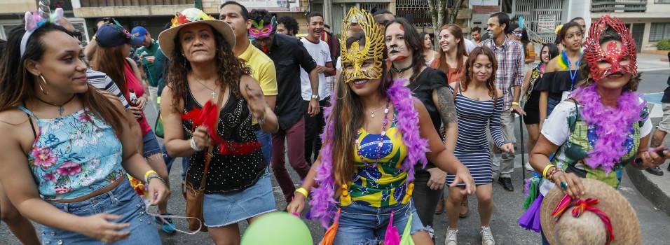 El Carnaval de Río se vivió en Laureles