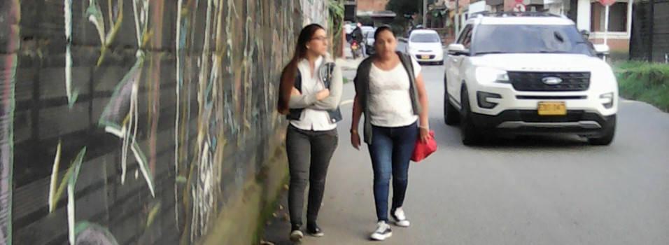 Vecino se queja por falta de andenes en La Paz