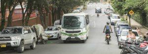 Problemas de movilidad a las afueras del colegio Padre Manyanet