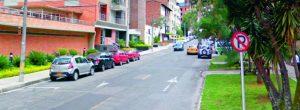 Vecinos se quejan del mal parqueo en la calle 33A