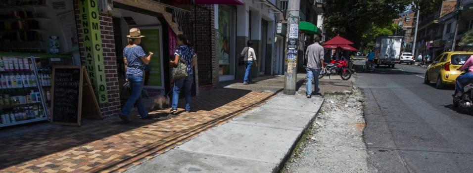Por fin mejorarán los andenes de la calle 30A