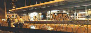 Grafiteros rayaron una estación del metroplús