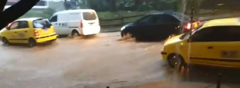 Lluvias causan estragos en la movilidad