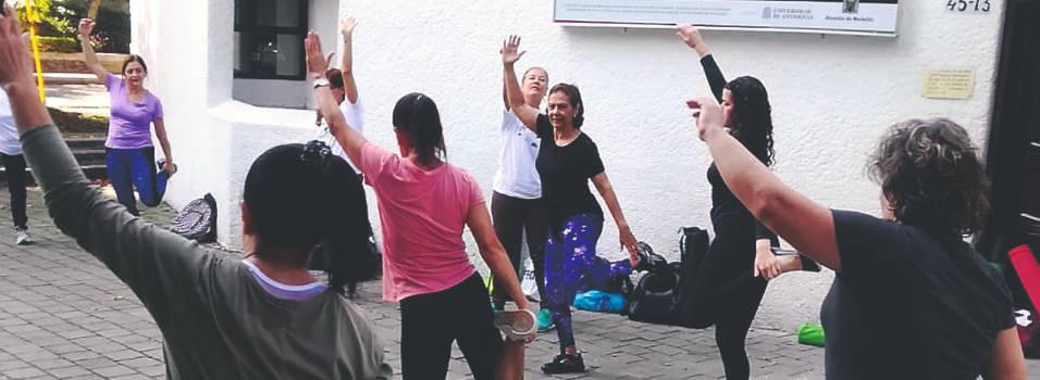 ¿En Poblado Sur se quedaron sin lugar para el yoga?