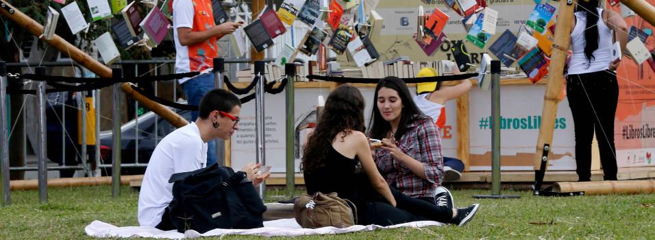 Amanezca en la María Luisa Calle disfrutando de la Parada Juvenil