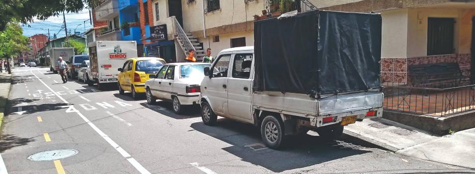 Autoridades controlan mal parqueo en ciclorrutas de Envigado