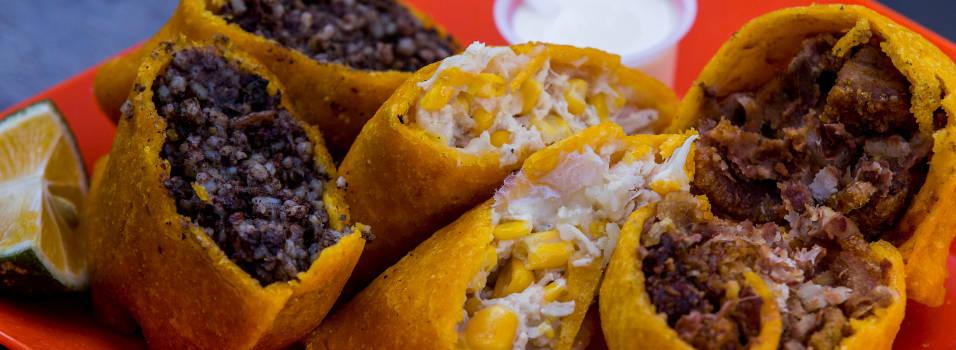 En Envigado venden empanadas de morcilla, fríjoles y ajiaco
