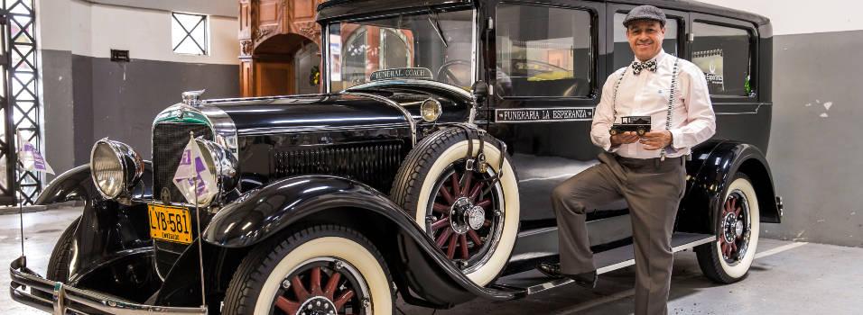 Los carros de Alirio son viejitos, pero bien elegantes