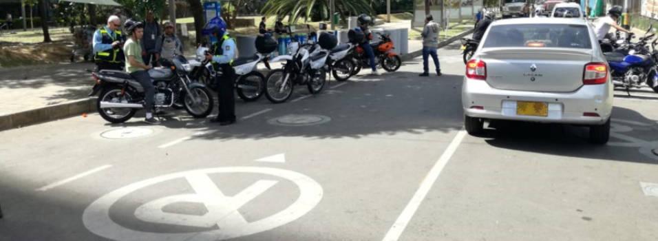 Piden operativos contra el mal parqueo en Ciudad del Río