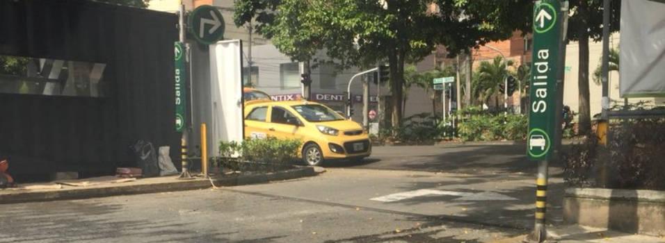 Vecinos denuncian giro prohibido y mal parqueo en la avenida Nutibara