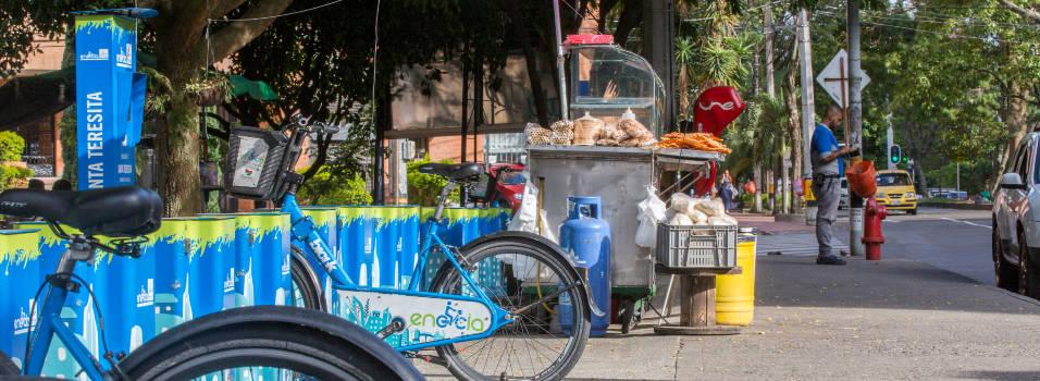 Vecinos denuncian invasión a estaciones de Encicla