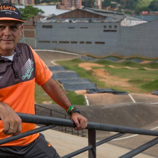 Martín, la cara tras los triunfos del BMX envigadeño