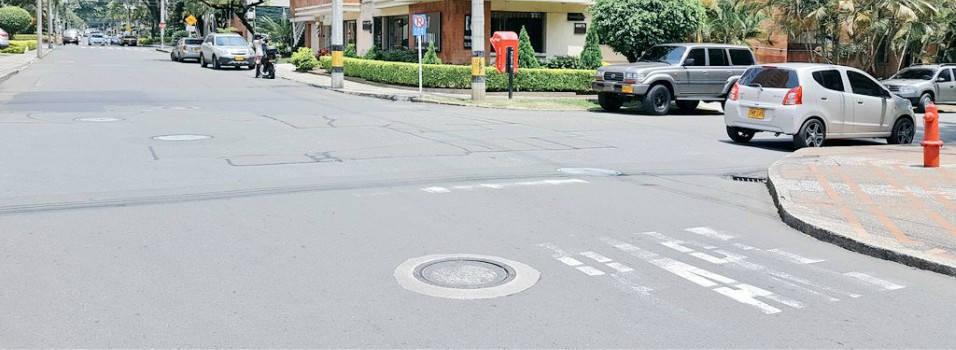 En Laureles las señales de tránsito están despintadas