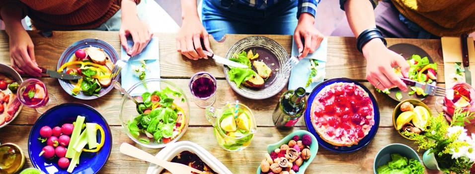 Maridaje, combina bebida, gastronomía y amigos