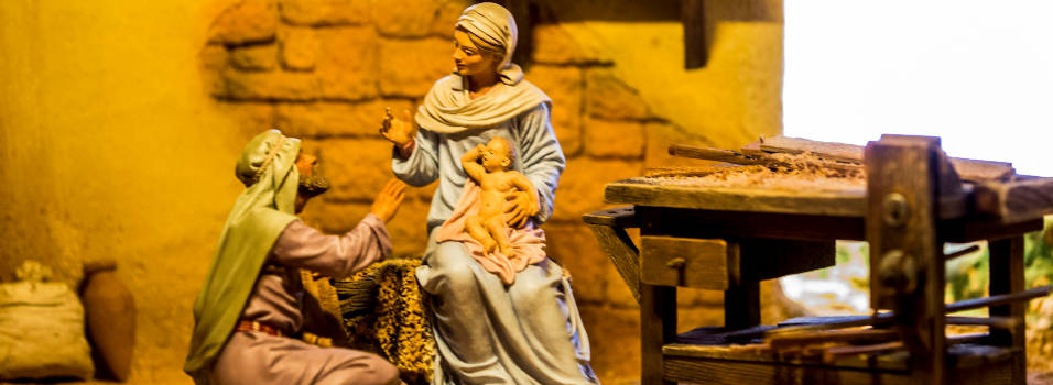 200 pesebres adornan la Navidad en El Castillo