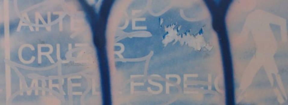 Con grafitis taparon señales viales en Envigado