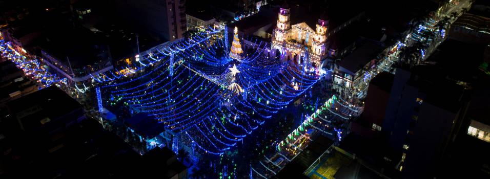 FOTOS: Así se ilumina Envigado en esta Navidad
