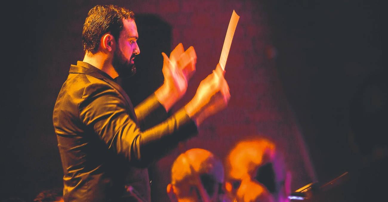 Juan David lleva la batuta de la Sinfónica de Antioquia