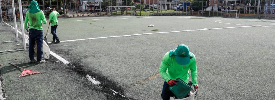 Arreglos y demarcación en la cancha de Belén Rincón