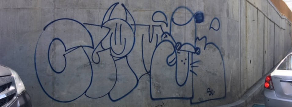 Denuncian grafitis en la obra de Inferior con Los Parra