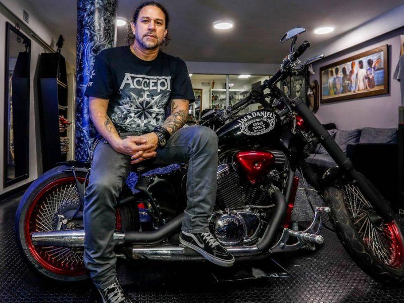 Álex, la leyenda vida del metal en Medellín