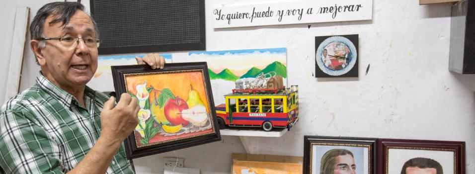 Con arte, Jairo le da alas a los reclusos de Envigado