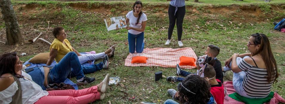 En este pícnic de Ciudad del Río abundan las letras