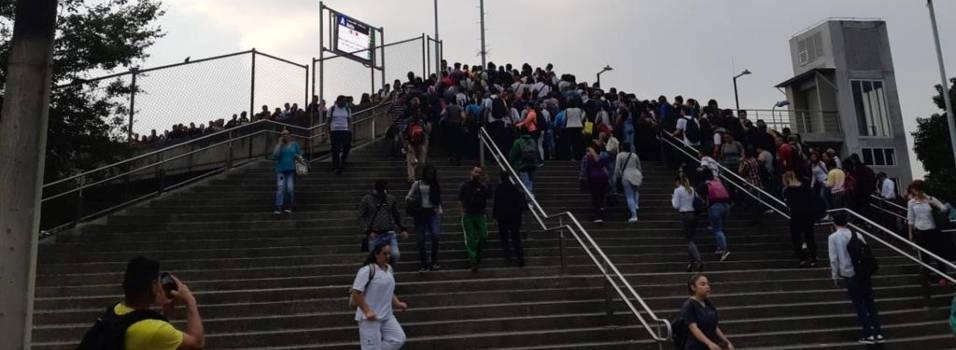Filas en el metro y calles sin tacos, balance del primer día en estado de alerta