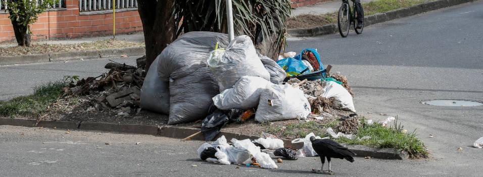 Separador en Belén se convirtió en un basurero público