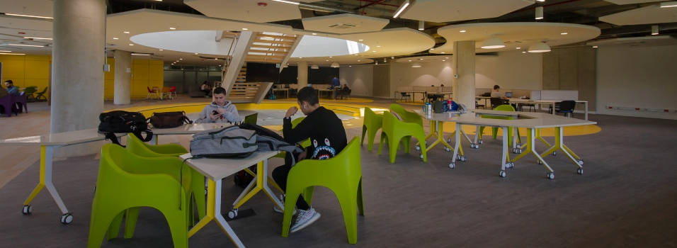 Universidad EIA está estrenando teatro y biblioteca