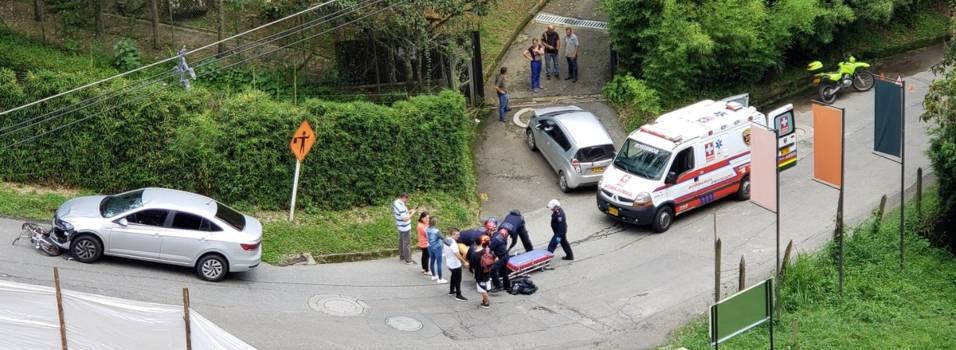 Joven que al parecer se descolgaba por El Chinguí se chocó con un carro