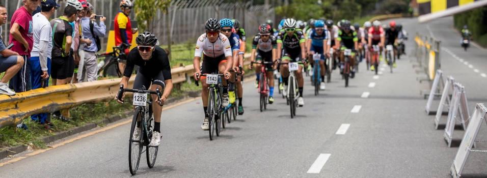 3 consejos para montar en bicicleta seguro por las carreteras