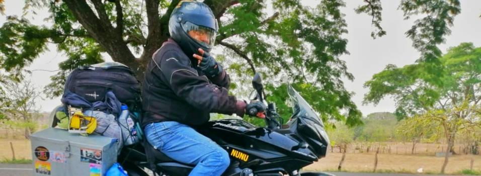 Mexicano que viaja en moto por América pasó por Belén