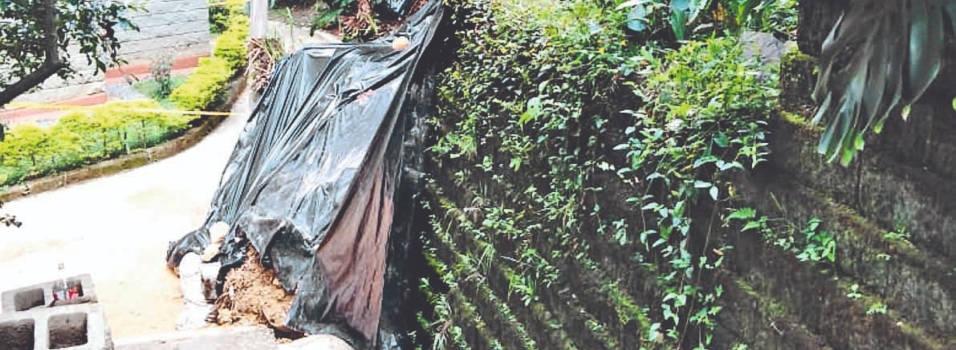 Vecino denuncia deslizamiento de tierra en Señorial