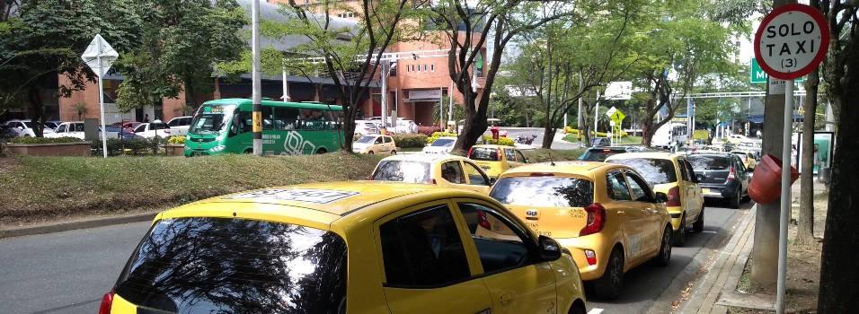 Crean acopio de taxis frente a Sao Paulo